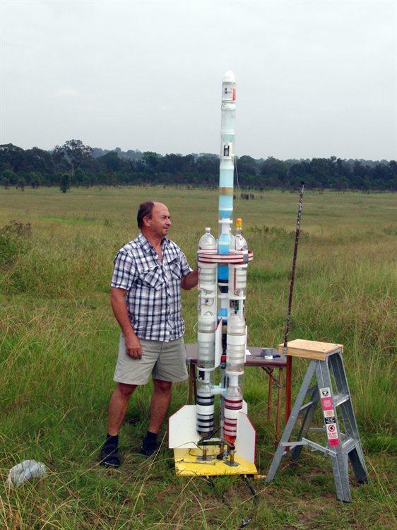 how to build a 2l bottle rocket launcher